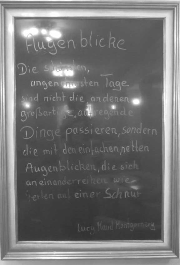 Im Arkaden Cafe, auf dem Weg zur Toilette gefunden, Hamburg.