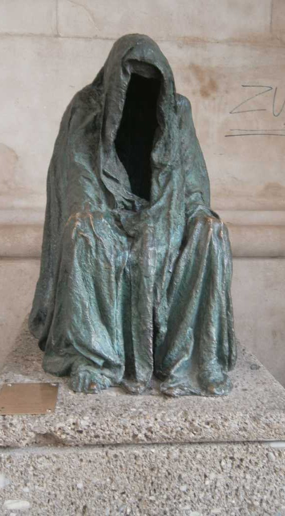 Die Pieta, bei der Kathedrale in Salzburg.